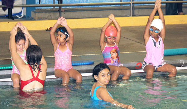 children group swim lessons